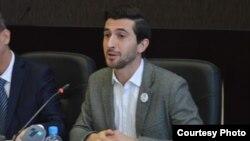 Дамјан Николовски, претседател на Националнот младински совет на Македонија.