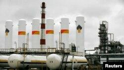 Орусиядагы Ачинск кара май иштетүү заводу.