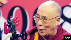 Тибеттин сүргүндөгү жол башчысы Далай Лама
