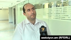 Տնտեսագետ Արտակ Մանուկյանը զրուցում է «Ազատության» հետ, արխիվ