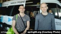Васіль Баброўскі і Уладзімір Навумік пасля вызвалення 9 ліпеня. Фота: spring96.org