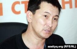 Независимый журналист Лукпан Ахмедьяров на онлайн-конференции в Алматинском бюро Азаттыка. 22 октября 2012 года.