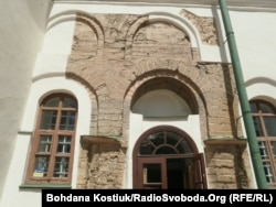 Фрагмент оригінальної кладки 11-го сторіччя, храм Св. Софії, Київ