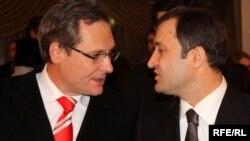 Impreună cu premierul Vlad Filat în 2010