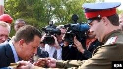Высадку в Волгограде подполковник отметил ритуальной стопкой водки