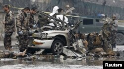 У цьому авті нападник підірвав на собі вибухівку вранці, Кабул, 4 січня 2016 року