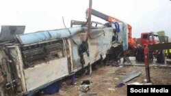 اتوبوس واژگون شده