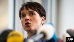 Almaniya üçün Alternativ partiyasının lideri Frauke Petry