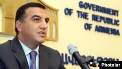 Министр труда и социальных вопросов Армен Асатрян