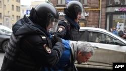 Задержания в центре Москвы (2 апреля 2017 г.)