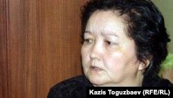 Жолан Әбиева, полиция оғынан жараланған Аманқос Әбиевтің анасы. Жаңаөзен, 16 ақпан 2012 жыл.