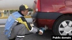 Более 60 процентов автомобилей в Таджикистане используют в качестве моторного топлива сжиженный газ