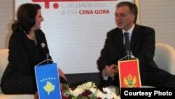 Presidentja Jahjaga gjatë takimit me presidentin e Malit të Zi, Filip Vujanoviq.