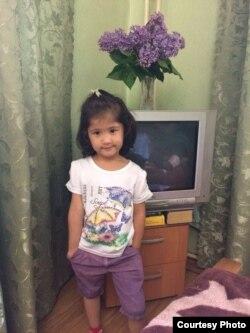 5-летняя Диёра Бахронова.