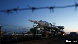 Ракета «Союз-ФГ» во время транспортировки на космодром Байконур.