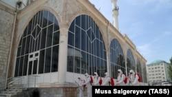 Muslims Prepare For Eid Al-Fitr Amid Pandemic