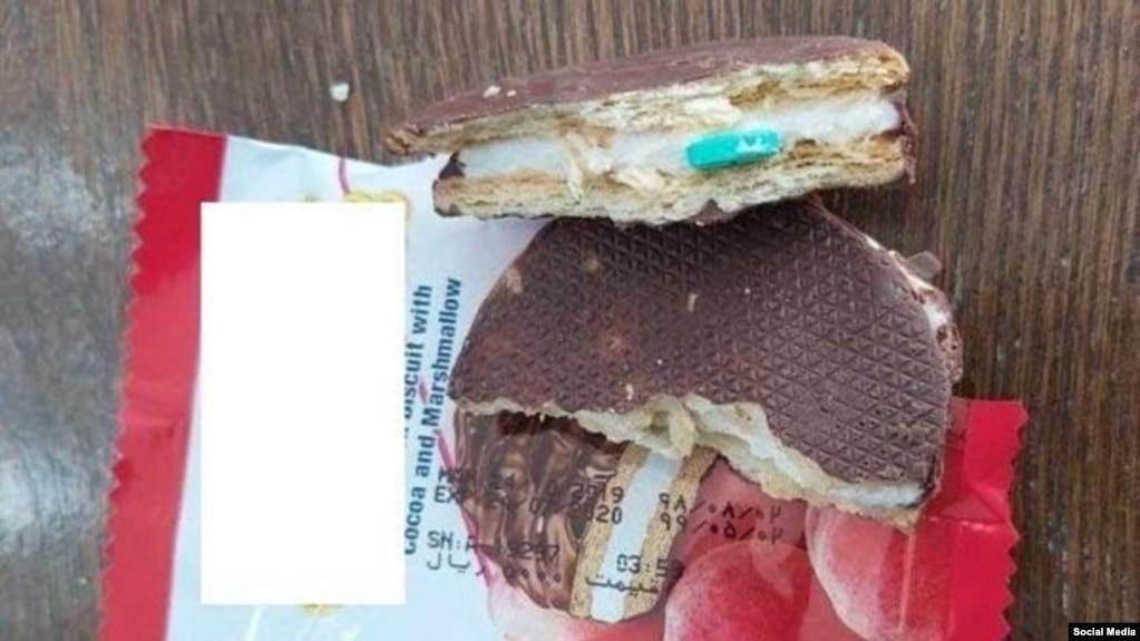 تصویری از کیک و کلوچههای آلوده به قرصهای مشکوک در ایران در شبکههای اجتماعی