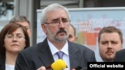 Зоран Поповски, претседателски кандидат на партијата ГРОМ.