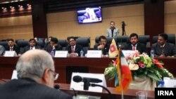 محمدرضا نعمتزاده در کمیسیون مشترک اقتصادی ایران و سریلانکا