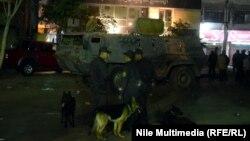 Каир көшесіндегі полиция қызметкерлері. Египет, 23 қаңтар 2014 жыл.