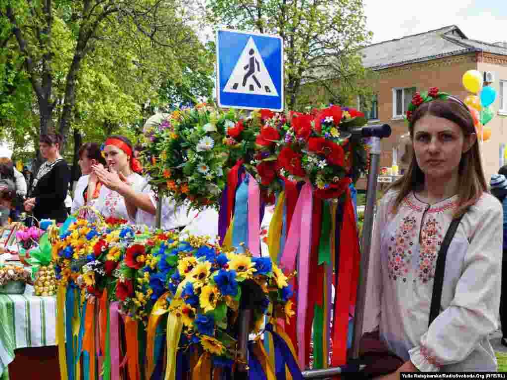 Ukraine -- 1 May in Reshetylivka, Poltavsk region, 1May2015