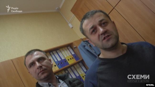 Заступник селищного голови Чуприна та голова ГО «Розвиток Київщини» Присяжний