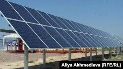 Солнечная мини-электростанция в Алматинской области. 22 июня 2012 года.