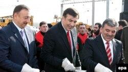 Президенты Турции, Грузии и Азербайджана участвуют в торжественной церемонии старта строительства железной дороги Баку-Тбилиси-Крас