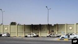 Muammar Kaddafiniň weýran edilen berkitmesi, Tripoli, 26-njy awgust.