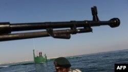 ირანის სამხედრო ფლოტის მანევრები ჰორმუზის სრუტეში