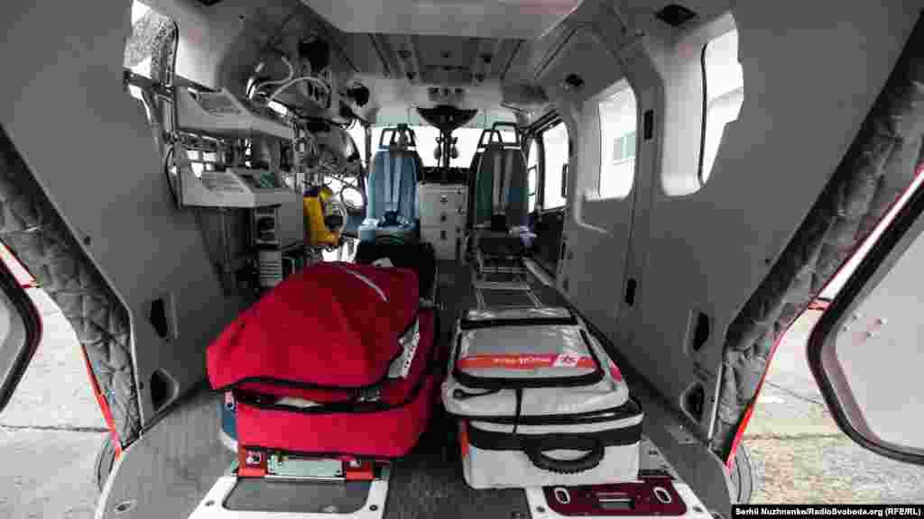 Вертоліт ЄС-145 «Єврокоптер» із медичним обладнанням