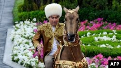 Turkmenistan's authoritarian President Gurbanguly Berdymukhammedov is known for his love of horses. (file photo)