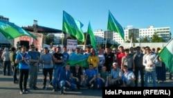 Митинг против Рустэма Хамитова
