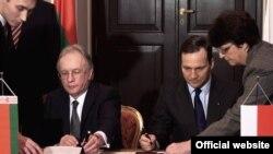 Міністри закордонних справ Польщі Радослав Сікорський та Білорусі Сергій Мартинов під час зустрічі у Варшаві, 12 лютого 2010 року