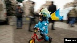 Киевта хөкүмәт яклылар һәм каршылар җыелды