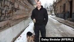 Руководитель местной организации волонтеров Иван Спрынский.