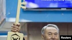 Президент Казахстана Нурсултан Назарбаев. Алматы, 1 декабря 2011 года.