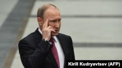 Лицом к событию. Власти в поисках Путина 4.1. Где альтернатива Навального?