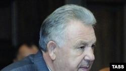 Бывший губернатор, нынешний представитель президента Виктор Ишаев