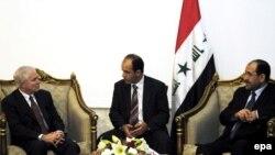 رابرت گیتس در نخستین سفر خود به عراق با مقامات عراقی دیدار کرد.