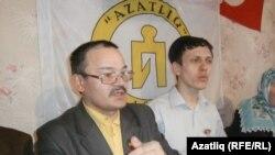 Рәфис Кашапов (с) һәм Наил Нәбиуллин