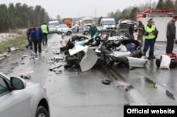 Одно из многочисленных дорожных происшествий со смертельным исходом. Красноярский край, 18 мая 2012 года.