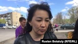 Гүл сатушы кәсіпкер Бибігүл Мұқанова. Астана, 19 сәуір 2016 жыл.