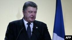 Президент України Петро Порошенко під час виступу на світовому екологічному саміті, 30 листопада 2015 року