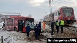 تصادم یک بس با قطار آهن در شهر نیس در جنوب صربیا