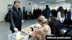 Yerevanda referendum