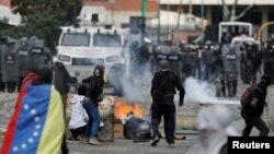 Violențe la Caracas, 23 ianuarie