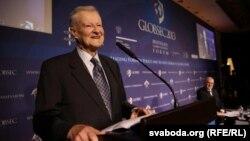 Радник президента США з питань національної безпеки Збігнєв Бжезінський на конференції у Братиславі