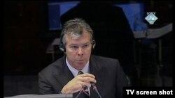 Ewan Braun u sudnici 18. studenog 2011.