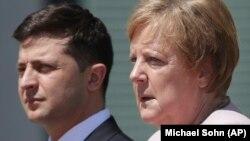 Президент України Володимир Зеленський і канцлер Німеччини Ангела Меркель. Берлін, 18 червня 2019 року